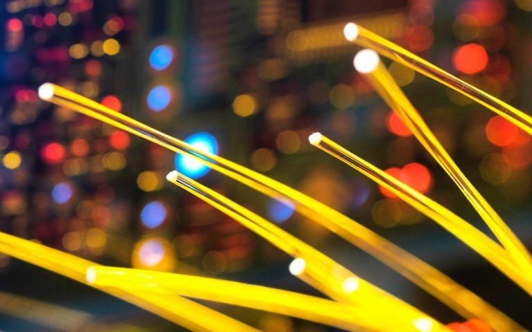 Fibra óptica, un sector en crecimiento en América Latina